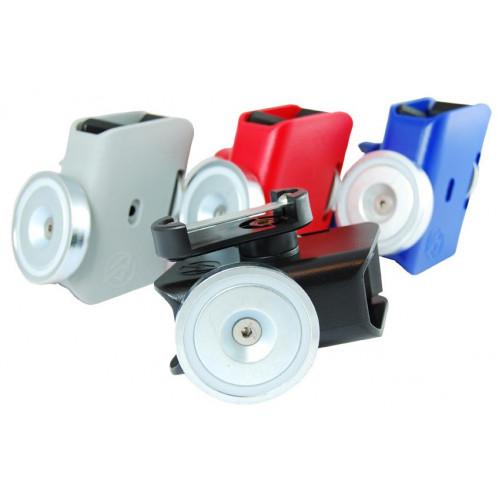 Пластиковый спортивный подсумок Racer Master Pouch с магнитом , серебристый