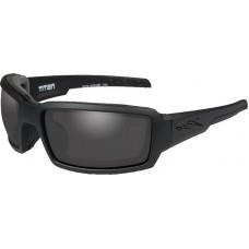 Очки TITAN  с матовой черной оправой и дымчато-серыми линзами.