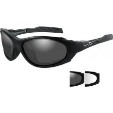 Очки XL-1 AD с матовой черной оправой и дымчатыми/прозрачными линзами.