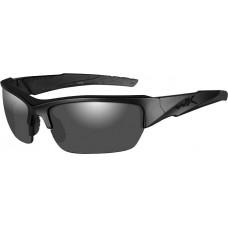 Очки VALOR с матовой черной оправой и дымчато-серыми линзами.