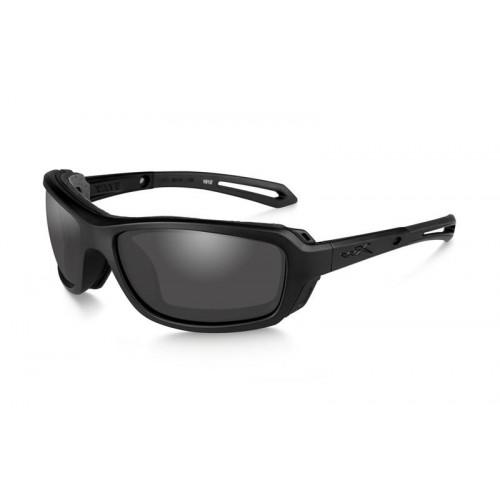 Очки WAVE с матовой черной оправой и дымчато-серыми линзами.